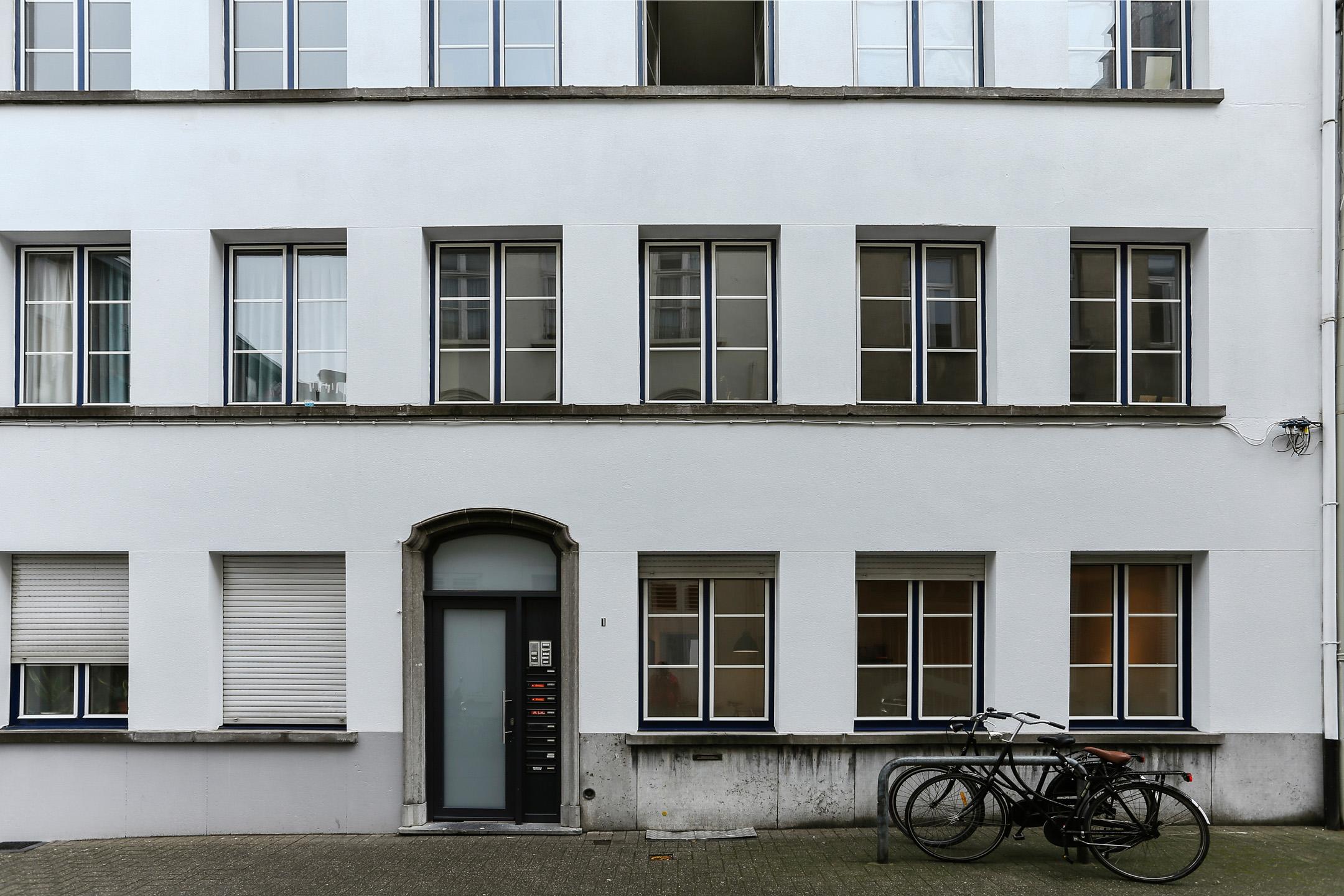 Neon vastgoed immo te koop appartement antwerpen for Gelijkvloers appartement te koop antwerpen